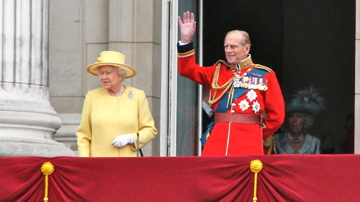 Queen leads the way as new figures show more Brits working beyond retirement