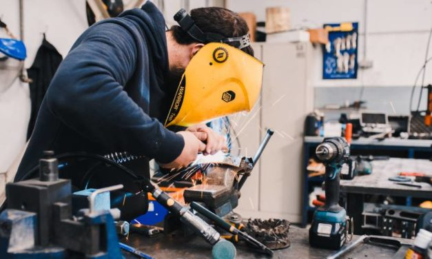 """Around one in 10 apprenticeships were deemed to be """"inadequate"""", Ofsted finds"""