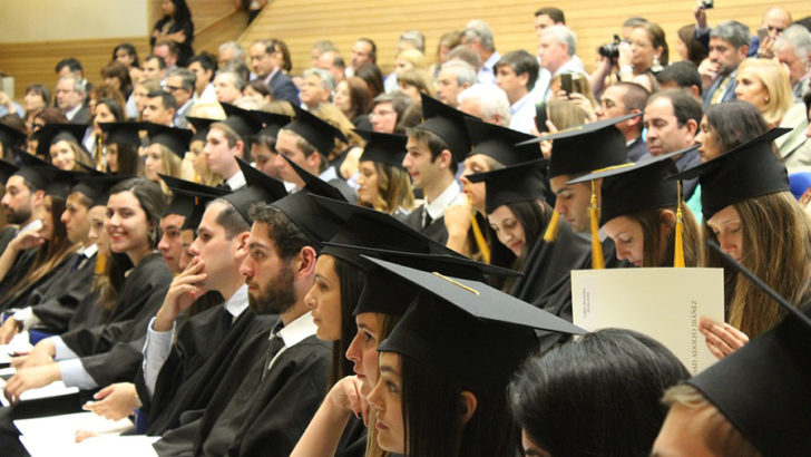 Over half of graduates believe that grad schemes are 'overplayed'