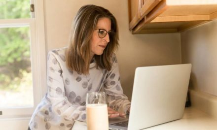 Female staff report lower happiness and motivation than men when remote working