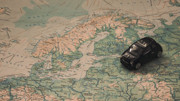 How can employers reduce the risks when sending employees overseas?