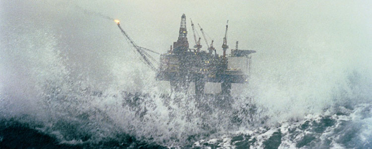 Oil price fall is not being felt by consumers at the pumps