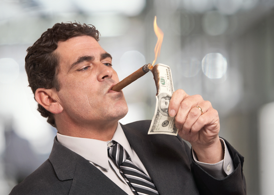 Men twice as likely to aspire to top salaries, finds study