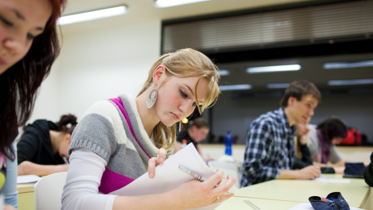 Up to 50,000 teenagers studying 'dead-end' courses