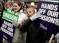 Strike nears in university pensions row